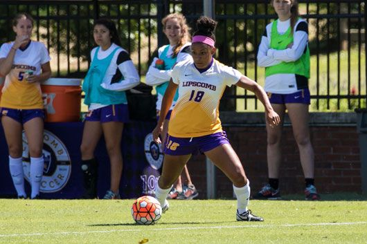 Women's soccer defeats USC Upstate 2-1