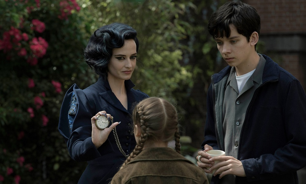 'Miss Peregrine's Home for Peculiar Children' succeeds in typical Tim Burton style