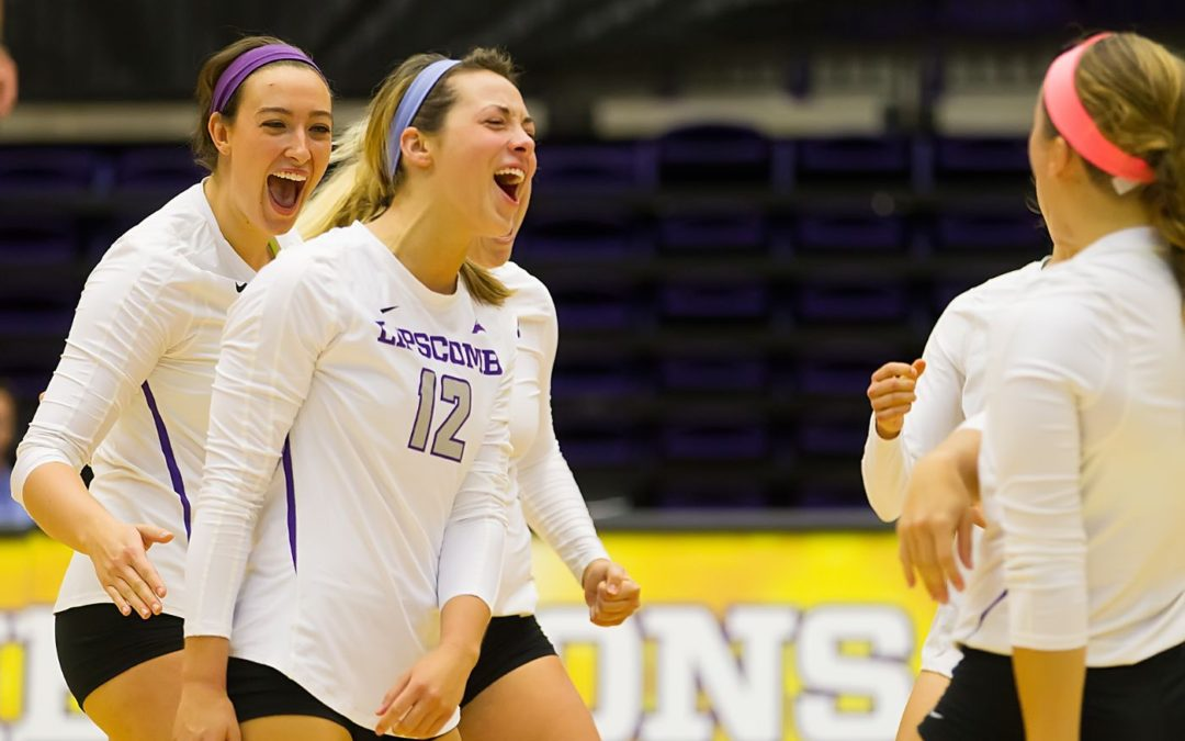 Volleyball wins big in Battle of the Boulevard