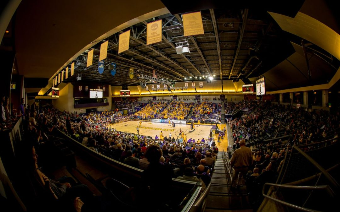 Bisons basketball kicks off men's and women's seasons