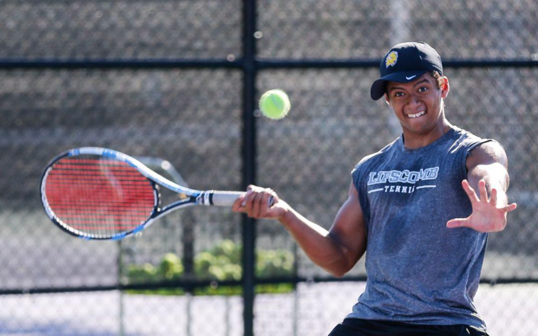 Team effort gets men's tennis back in win column