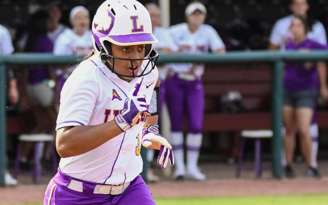 Big hits, strong pitching lead Lipscomb to 12-0 victory over Chattanooga