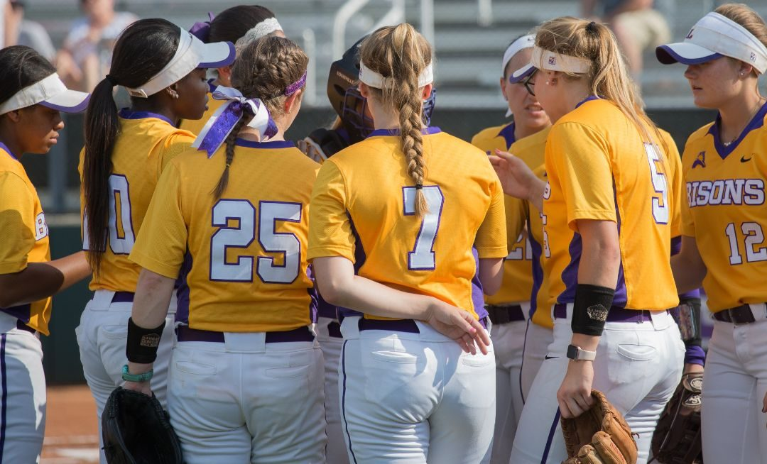 Softball swept by Kennesaw State on senior weekend