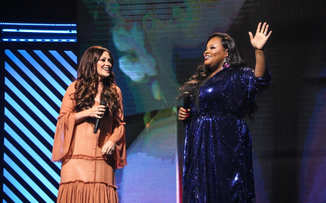 2017 Dove Awards presenters photo gallery