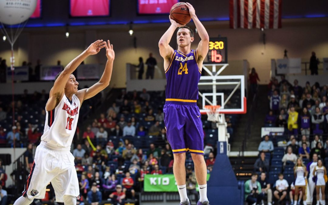 Lipscomb downs Belmont to end streak, retakes Boulevard