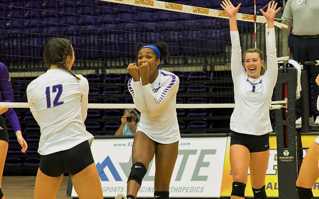 Lipscomb volleyball makes quick work of Jacksonville