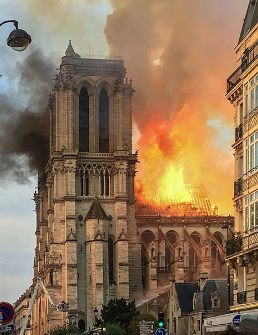 Lipscomb Global Learning students reflect on Notre Dame burning