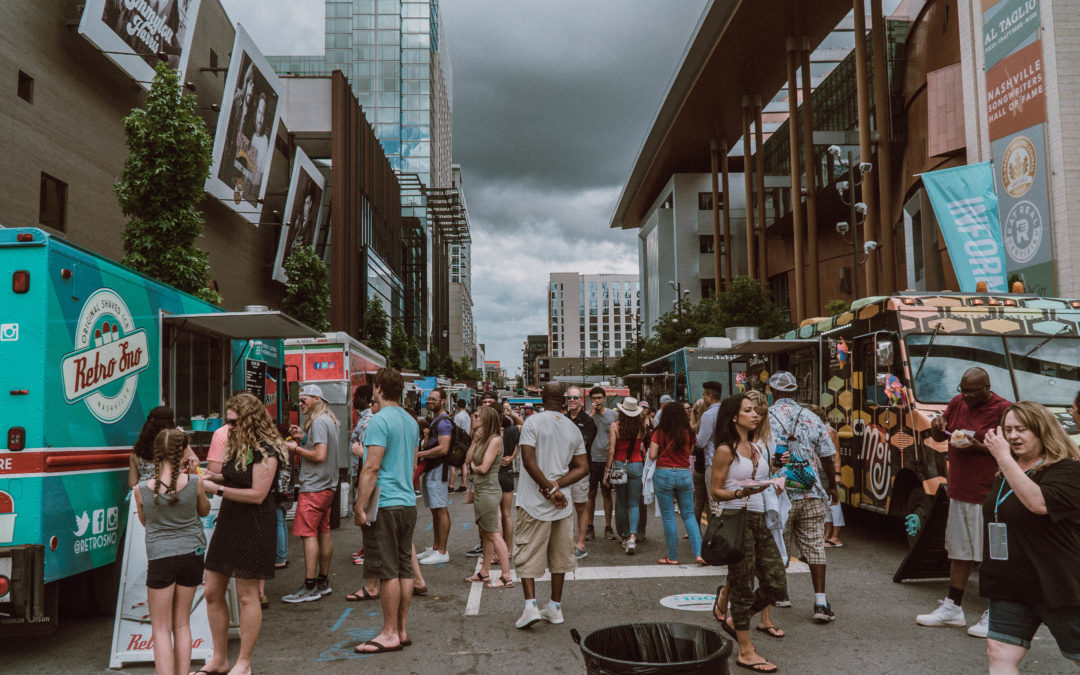 CMA Fest 2019 daytime festivities overview & The Brady Bunch