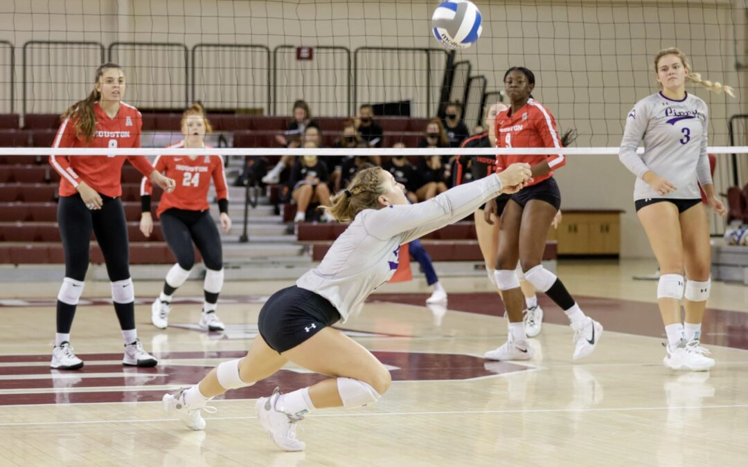 Volleyball opens season with tight loss