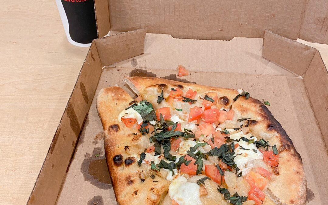 REVIEW: Lipscomb's new pizzeria serves 'pretty fly pie'