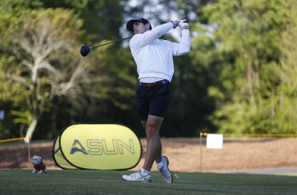 Men's golfer Morris tees off on new season
