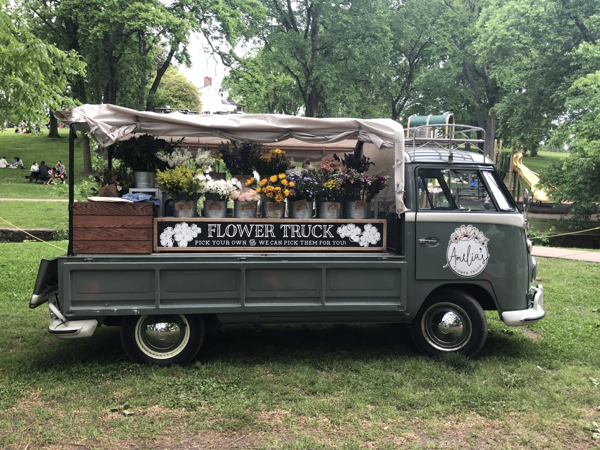 HC amelia's flower truck
